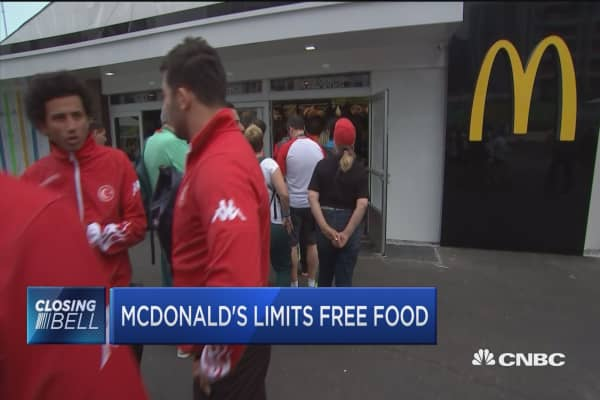 """mcdonalds limitations Some mcdonald's locations may be redefining the term """"fast food"""" a mcdonald's location in queens, new york is one of a growing number of locations with a strict rule for customers who eat ."""
