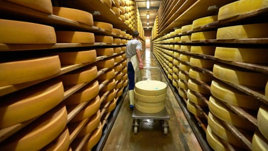 Cheese doesn't raise risk of heart attack or stroke, study finds