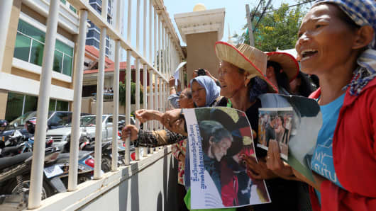 August 15, 2016: Activists protest outside the Phnom Penh Municipal Court  calling for the release of two prominent land rights activists Tep Vanny and Bov Sophea. The two were arrested by authorities for insulting a public official and sentenced to jail.
