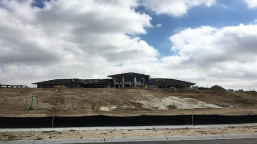 """Construction on the clubhouse of Toll Brothers' """"Inspiration,"""" a 55-plus community in Aurora, Colorado."""