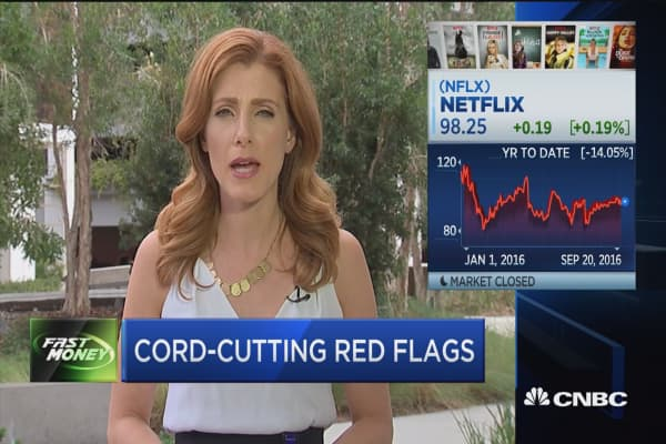 Paid TV leak of customers: Cord-cutting red flags