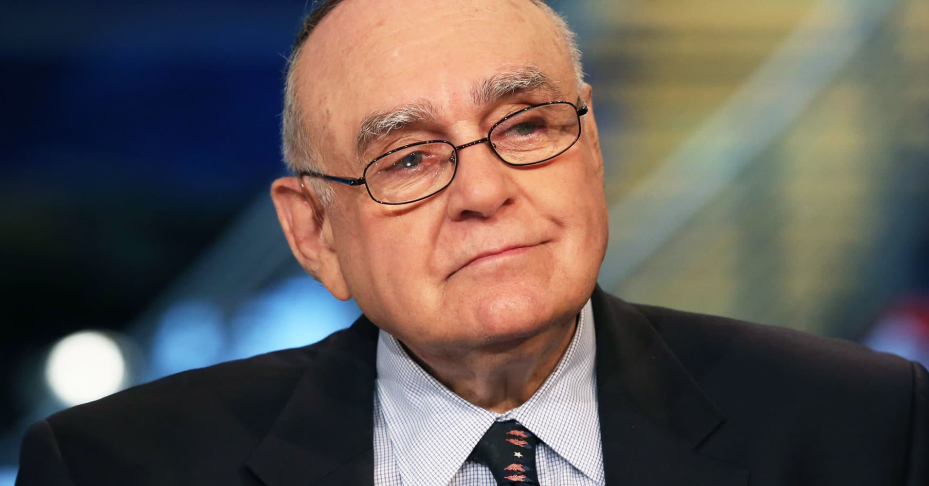 Omega's Cooperman loses bid to dismiss SEC's alleged insider trading case