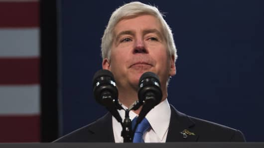 Tesla Sues Michigan Gov. Rick Snyder to Sell Cars in State