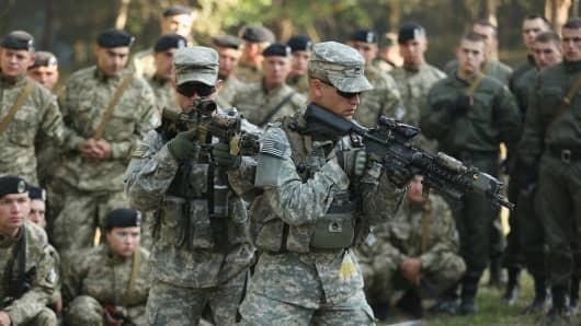 Hannity backs up Trump on Iraq War