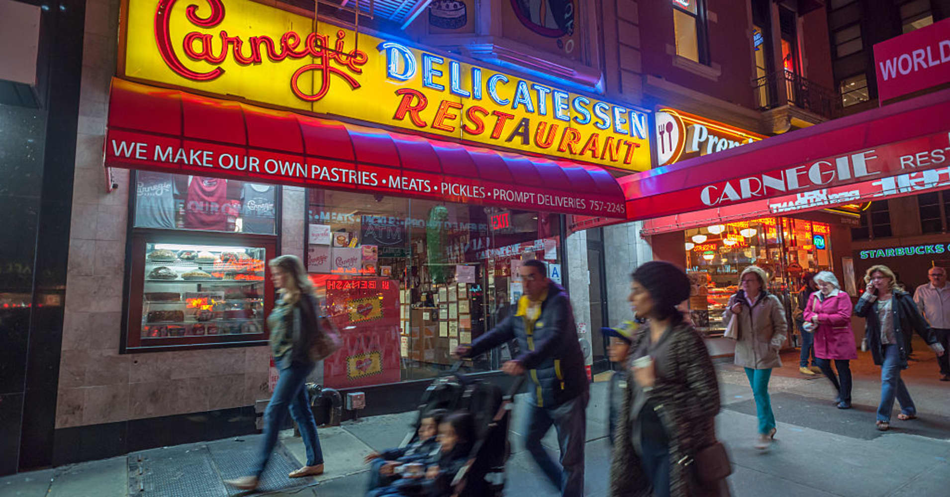 Iconic Carnegie Deli closing at midnight