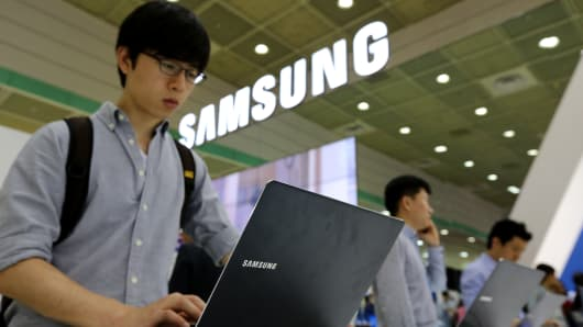 Samsung may split in two, report
