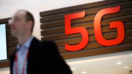 Senate panel sets hearing on AT&T-Time Warner merger