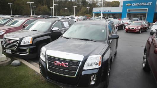 General Motors Oct. US sales fall as auto boom slows