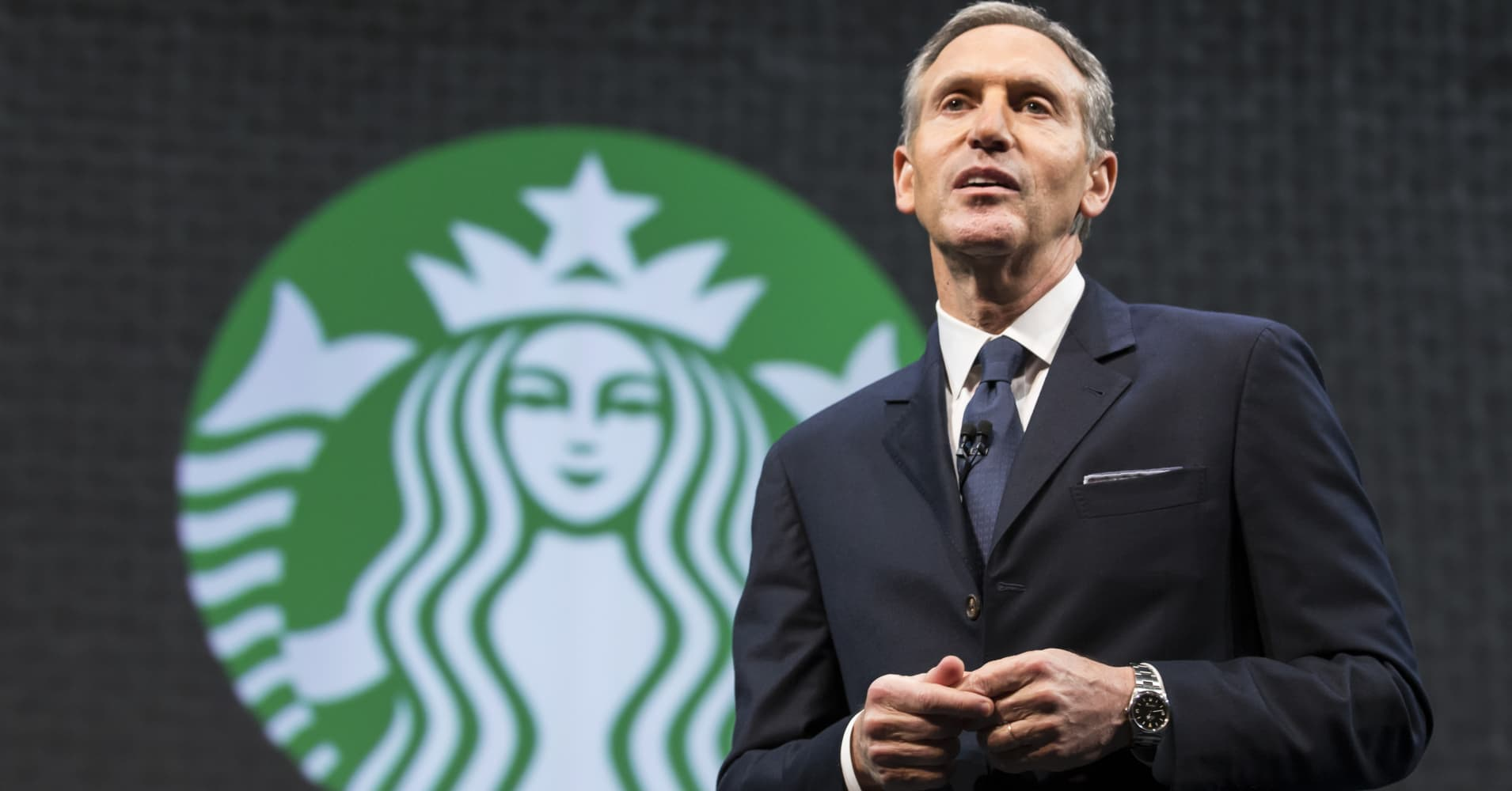 Outgoing Starbucks CEO Howard Schultz: Kevin Johnson better prepared to be CEO