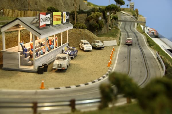 Slot Mods builds replica tracks from scratch with customized detail at 1:32 scale.