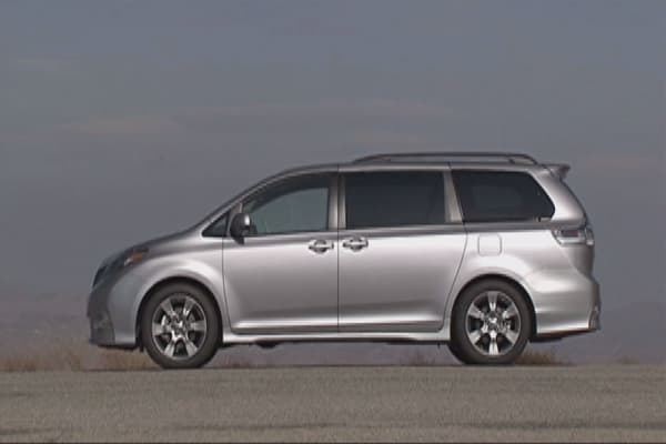 Toyota recalls 744K Sienna minivans in US