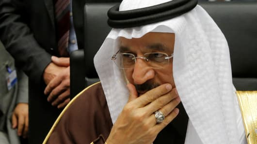 Saudi Arabia's Energy Minister Khalid al-Falih talks to journalists during a meeting of the Organization of the Petroleum Exporting Countries (OPEC) in Vienna, November 30, 2016.