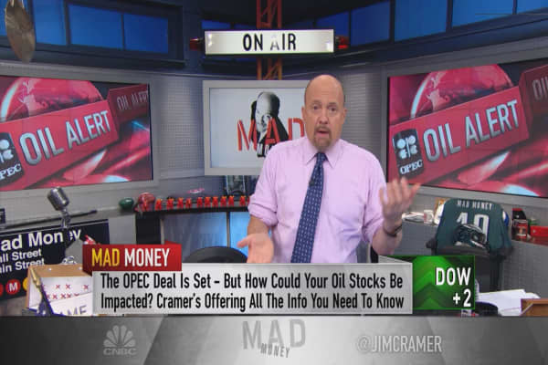 Cramer explains how OPEC just 'engineered the short-squeeze of a lifetime'