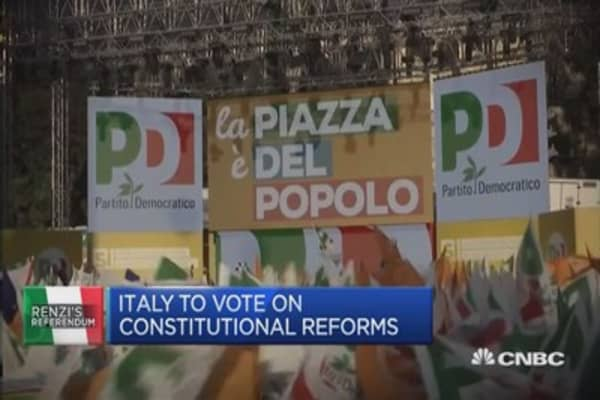 Renzi in the spotlight as referendum looms