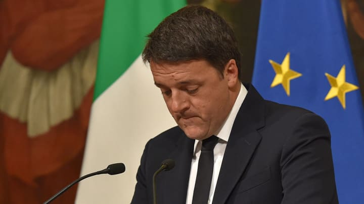 Italy's Prime Minister Matteo Renzi announces his resignation during a press conference at the Palazzo Chigi after the results of the vote for a referendum on constitutional reforms, on December 4, 2016 in Rome.
