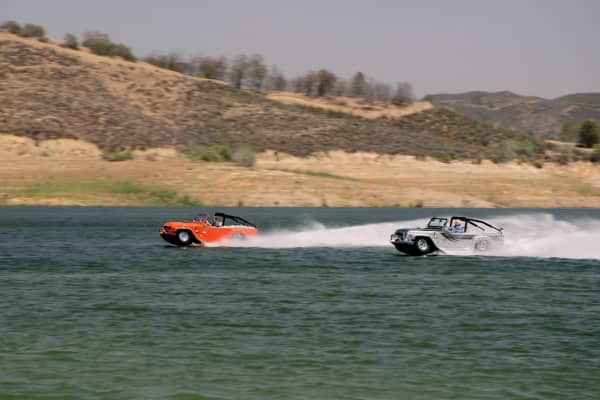 Jay Leno and Jeff Dunham race each other in the world's fastest amphibious car.