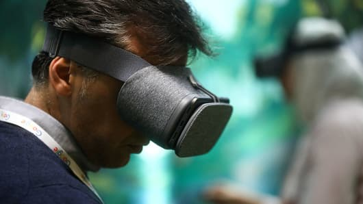 Google's building its own smartphone-free Daydream VR headsets