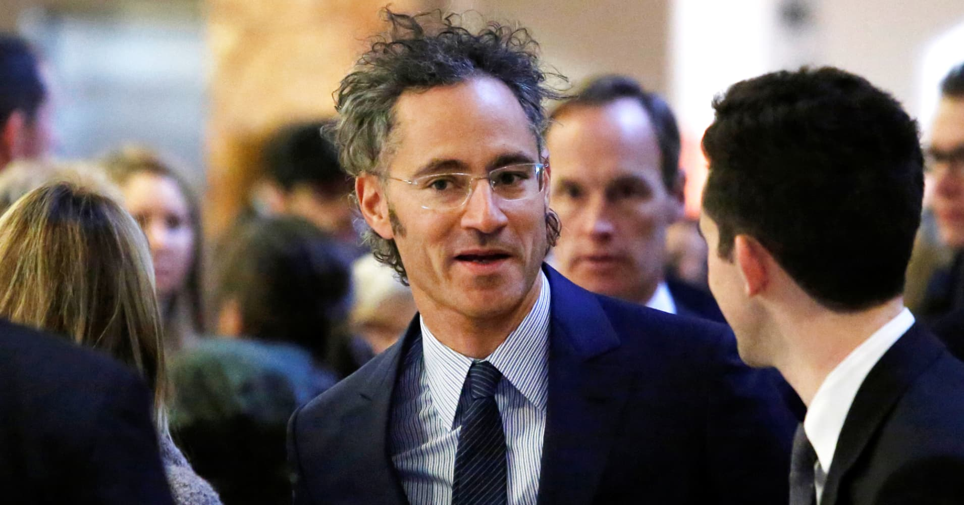 Palantir blocked its investors from selling their shares, lawsuit claims