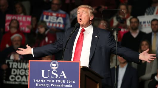 President-elect Donald Trump speaks to supporters during a rally at the Giant Center, December 15, 2016 in Hershey, Pennsylvania.