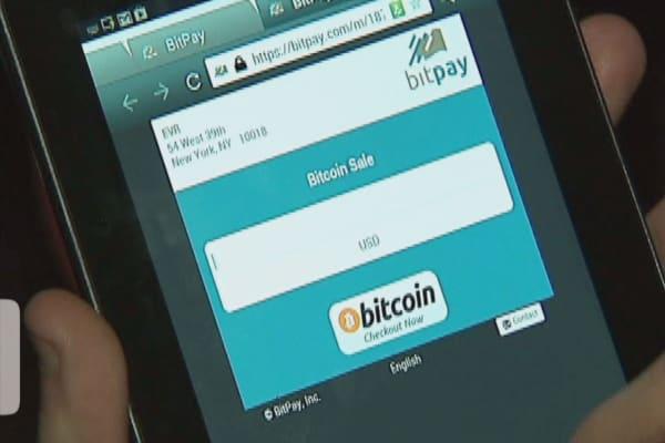 Bitcoin hits $800 milestone