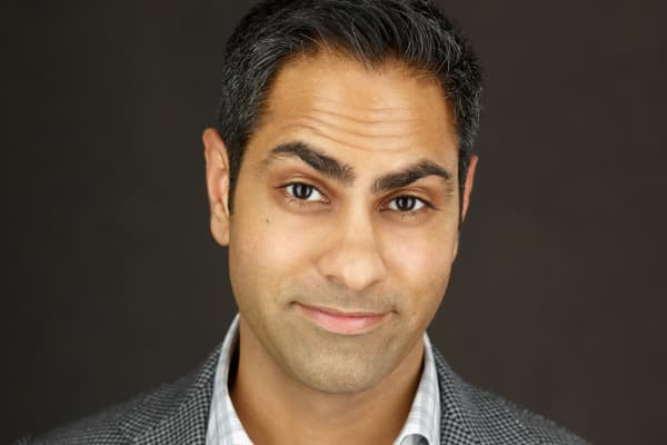 Ramit Sethi is a best-selling author and the CEO of GrowthLab.com.