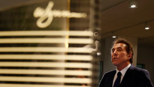 Steve Wynn speaks to reporters about a planned casino in Everett during a press conference on March 15, 2016.