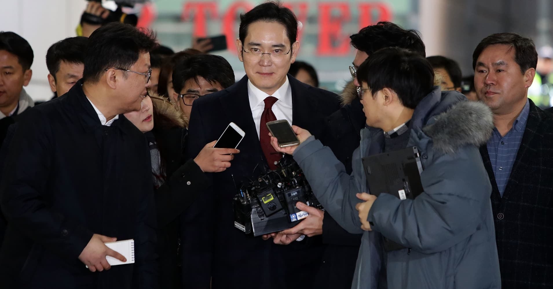 South Korea prosecutor weighs economic impact of arrest of Samsung chief