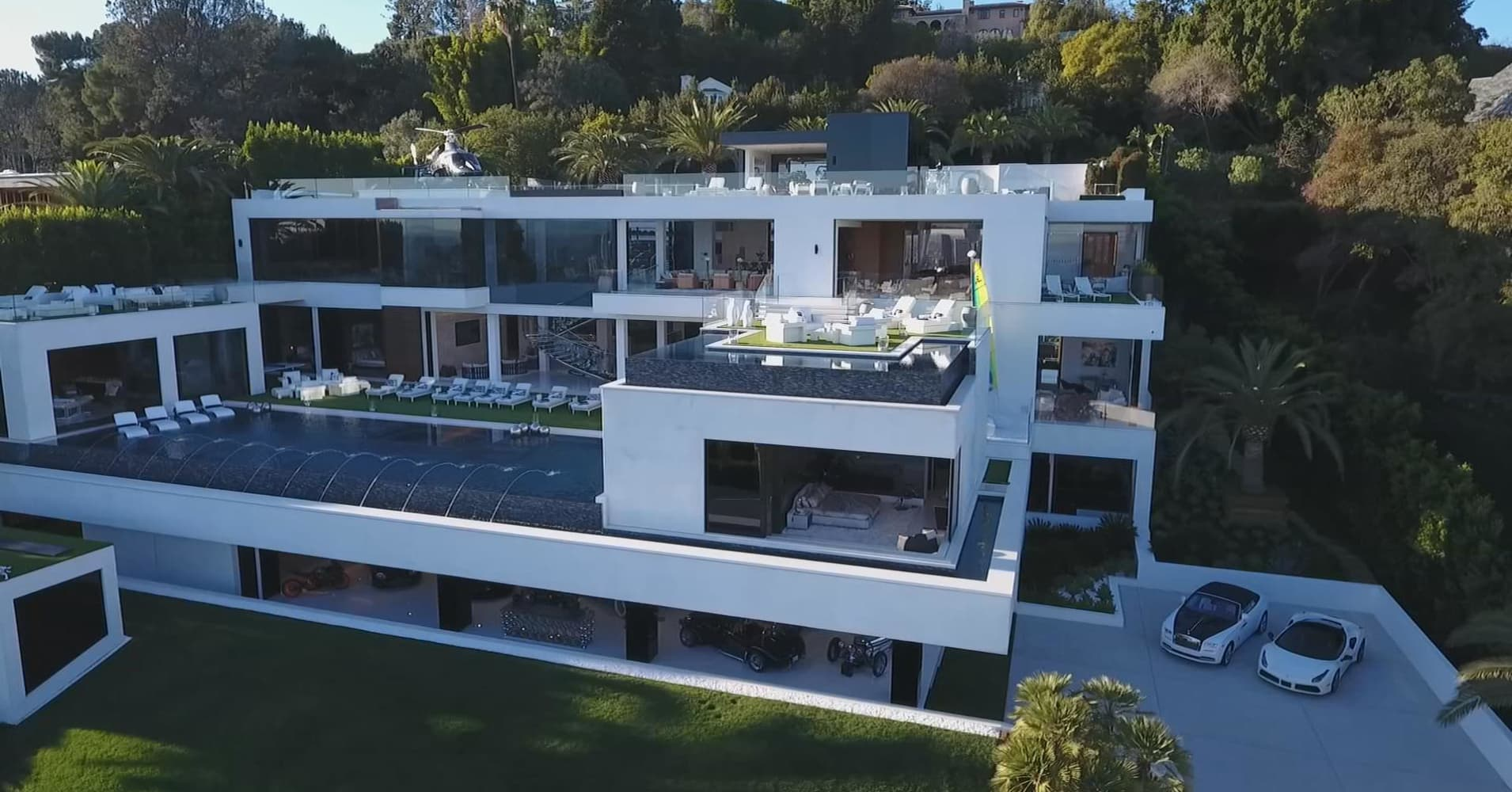 Most expensive home secret lives super rich periscope 360 for Homes for the rich