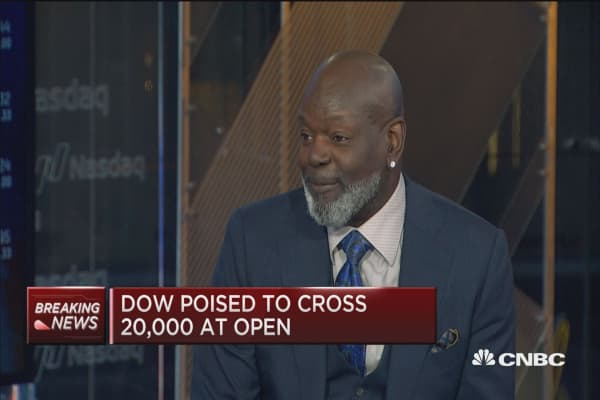 Emmitt Smith... from gridiron to well-groomed