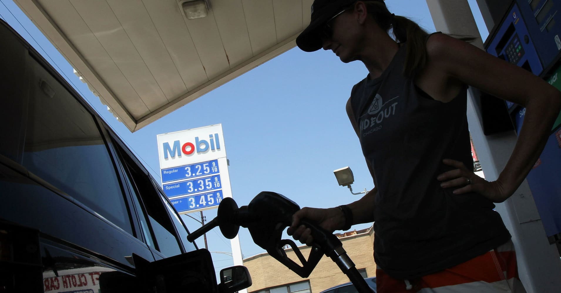 Op-Ed: Gas stations are going away sooner than you think