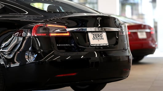 Tesla Model S is displayed inside of the new Tesla flagship facility on August 10, 2016 in San Francisco, California.