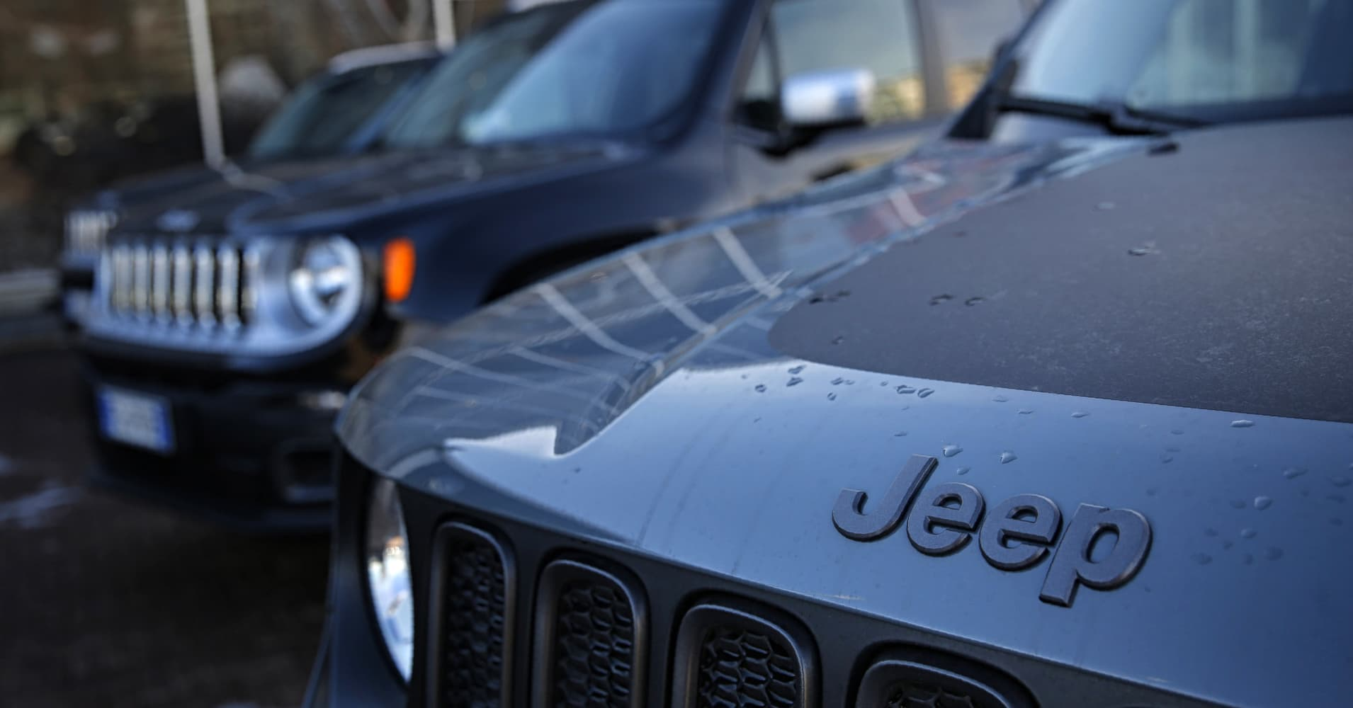 Italy says new tests find no defeat devices on Fiat Chrysler cars