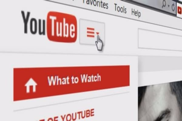 YouTube stars can live stream and make money