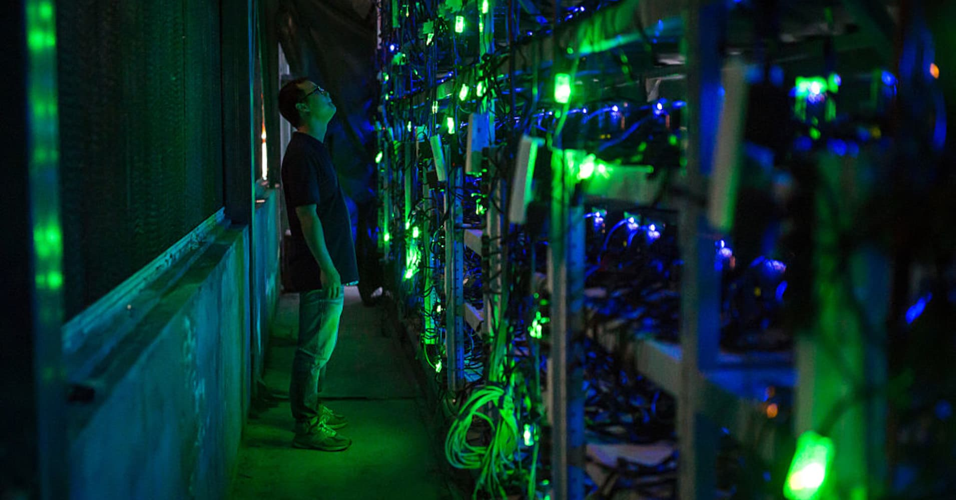 Bitcoin traders look to other digital currencies for returns - CNBC
