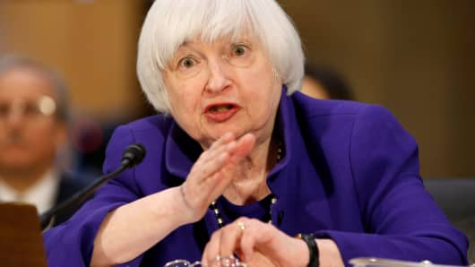 Yellen Signals Rate Hike Likely This Month