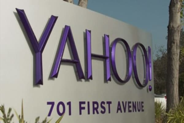 Yahoo issues new warnings about third data breach