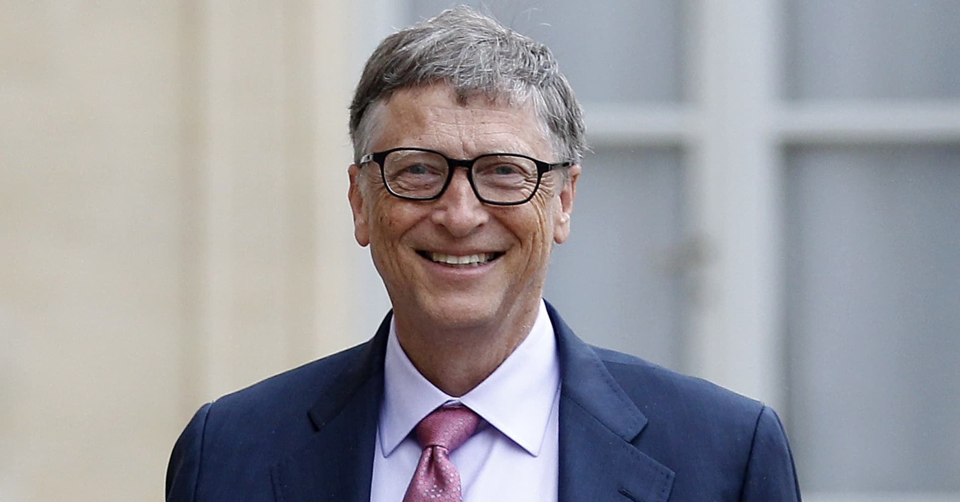 bill gates job stealing robots should pay income taxes