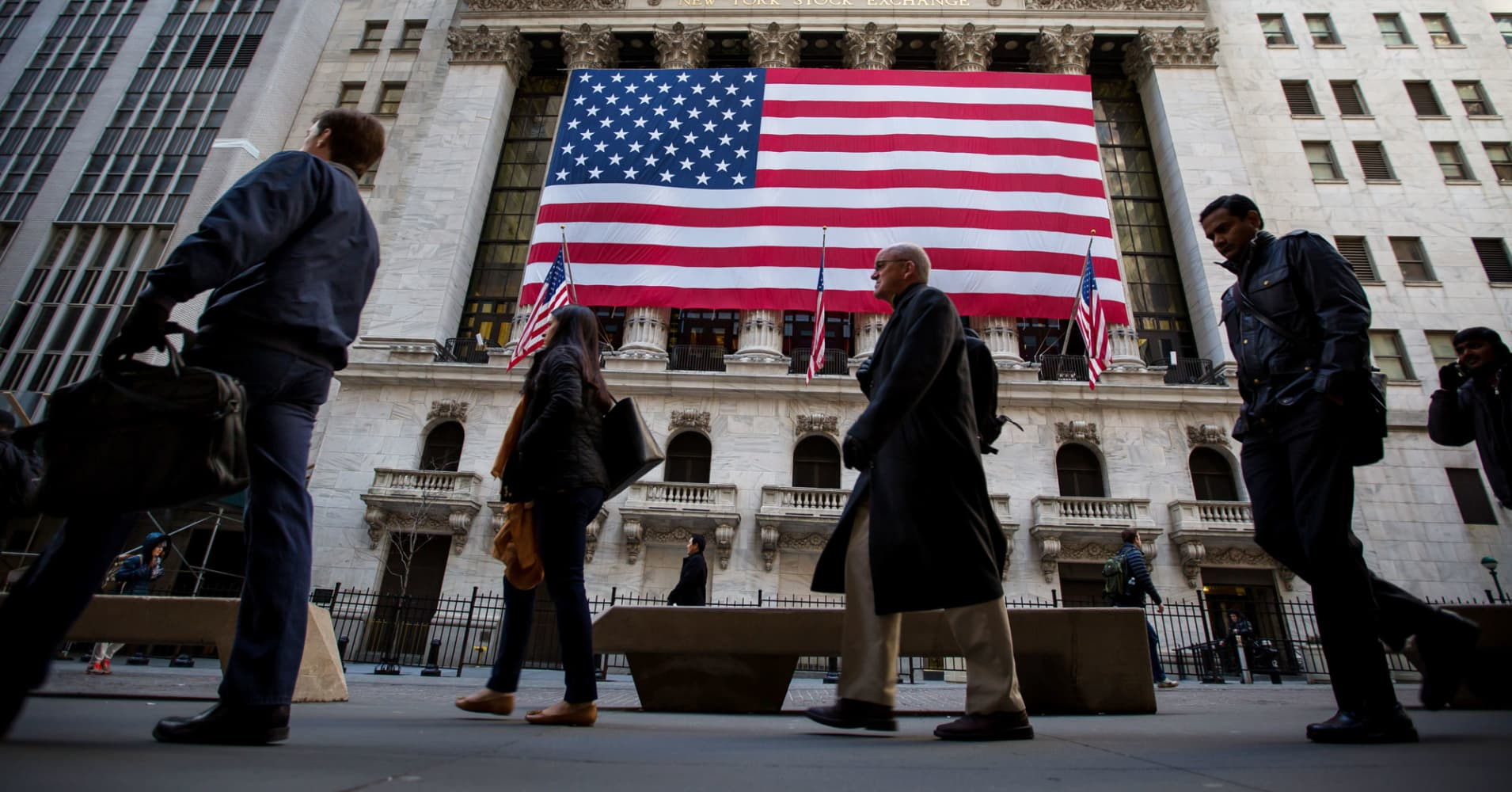 These three US bank stocks are my top sector picks: Analyst