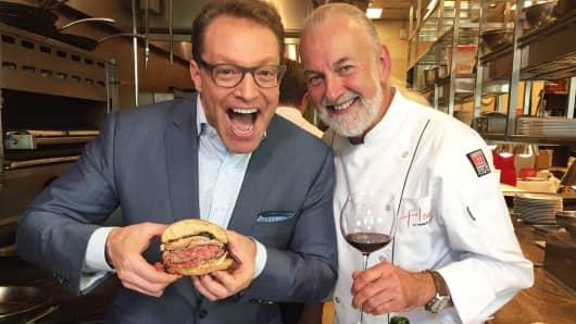 Robert Frank tries the $5,000 FleurBurger 5000 with Chef Hubert Keller.
