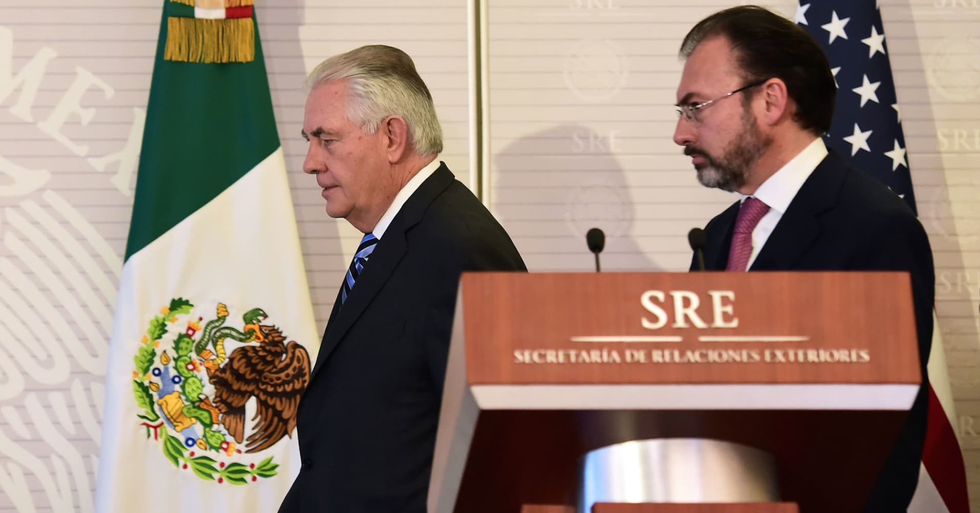 Tillerson pledges 'no mass deportations' in talks with Mexico's leaders