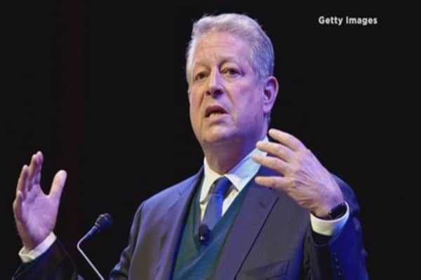 Al Gore made a killing on his Apple holdings this month
