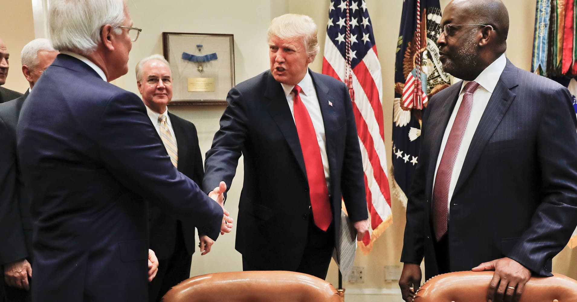 Trump meets with insurance execs on Obamacare repeal