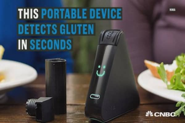 This device may relieve the stress of eating out for people with food allergies.