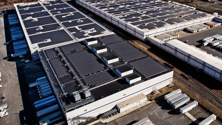 Solar rooftop at an Amazon fulfillment center.