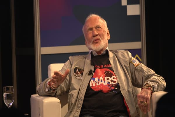 Elon Musk's plan to colonize Mars has one big problem, says astronaut Buzz Aldrin