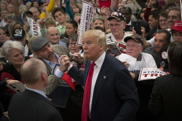 Republican presidential candidate Donald Trump greets supporters at a rally February 19, 2016 in Myrtle Beach, South Carolina. Trump is campaigning throughout South Carolina ahead of the state's primary.