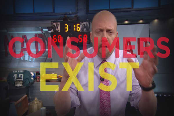 Cramer Remix: Here's the spending trend hiding right under money mangers' noses