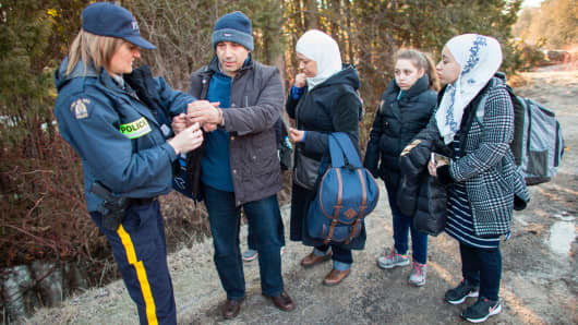 Canada Says Most Crossing Border Seeking Asylum Were in US Legally