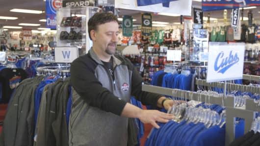 Dan Verven adjusts inventory.