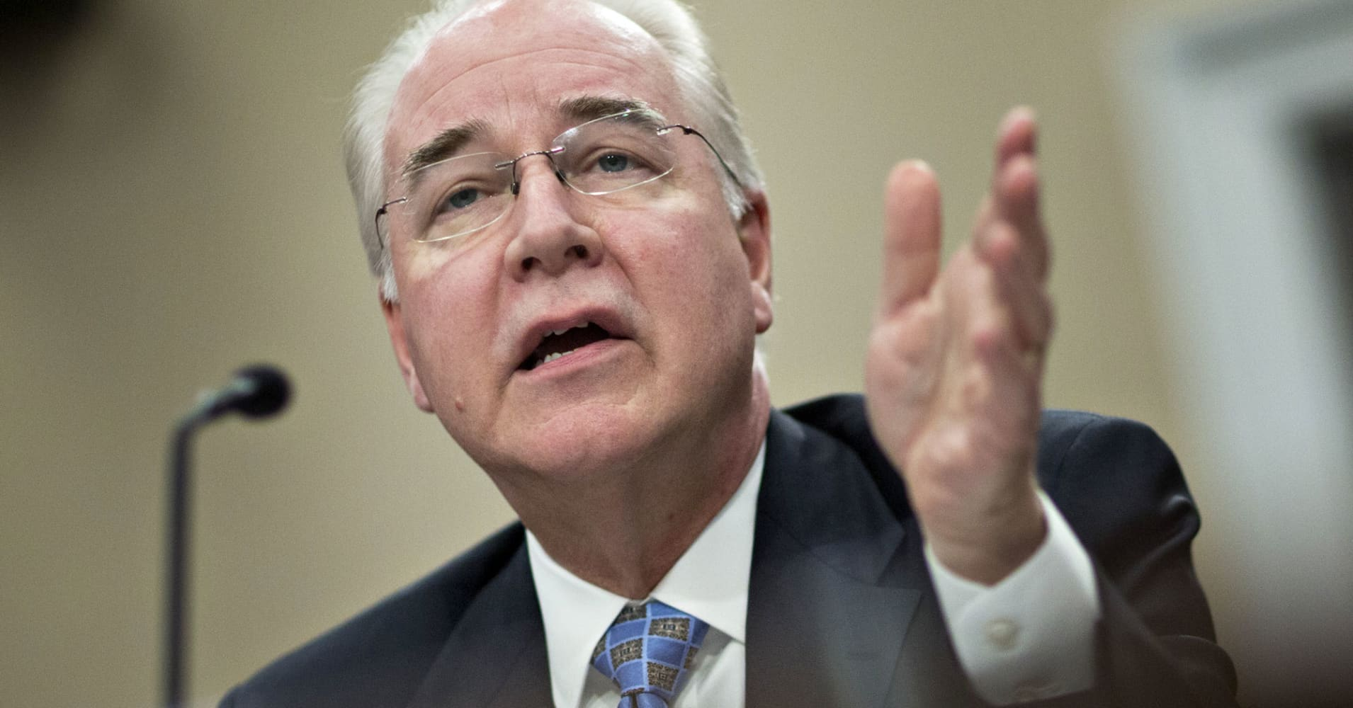 Health secretary pledges to uphold Obamacare, but promote it, not so much
